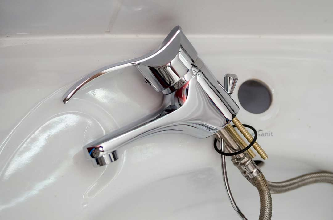 The Importance Of Hiring Plumbers For Your Plumbing Fixes